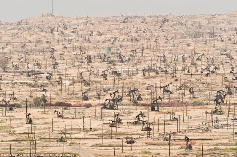 Un giacimento petrolifero in California e il sovrasfruttamento ambientale