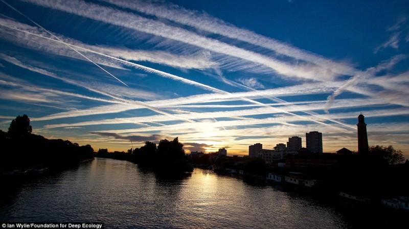 Inquinamento dovuto all'eccessivo traffico aereo su Londra